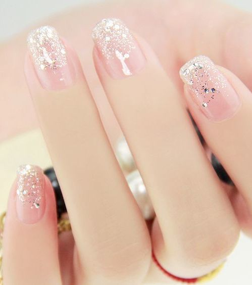 summer french manicure trend